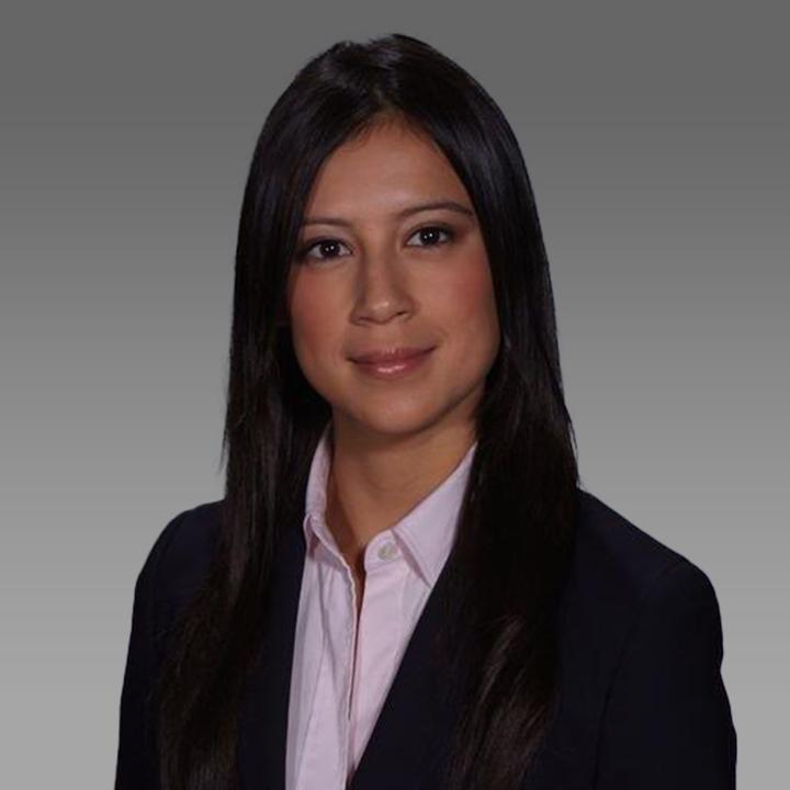 Lisa Hernandez grey background v3